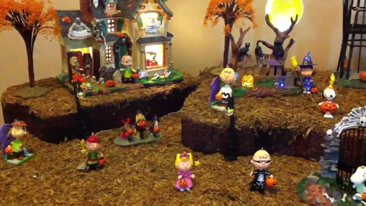 Peanuts Halloween Village 2012-no talking - YouTube