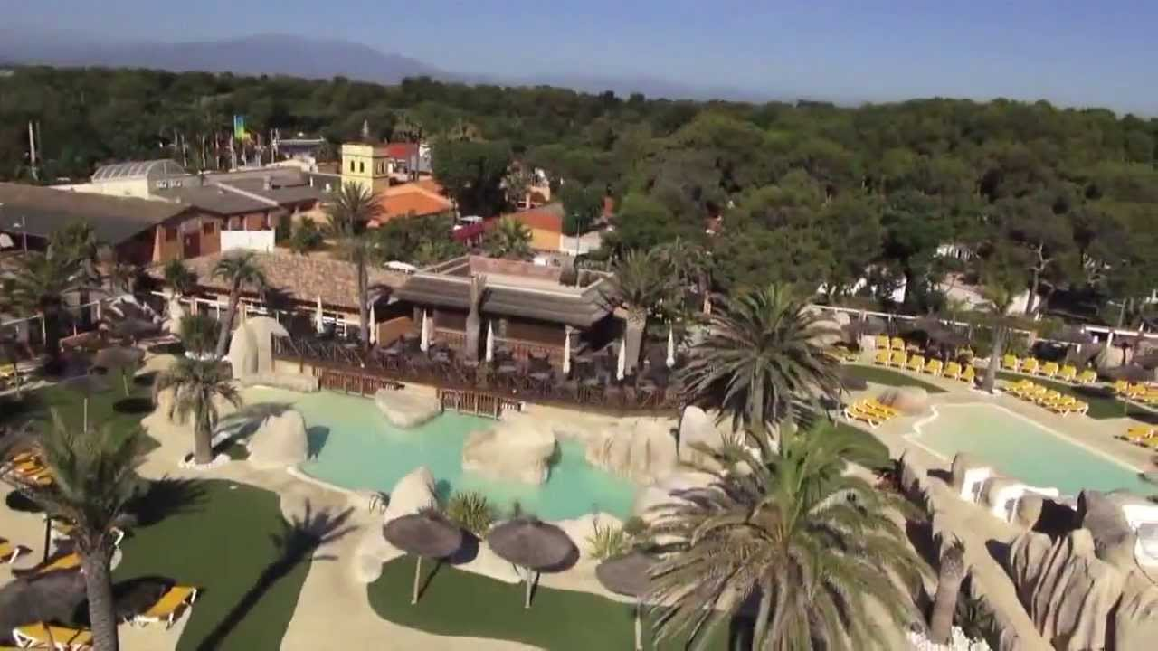Le brasilia vu du ciel youtube for Camping car de luxe avec piscine