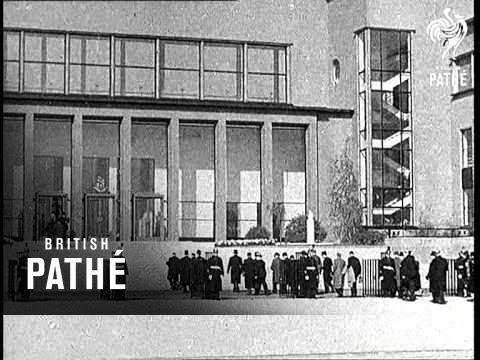Dental Clinic In Paris   (1937)