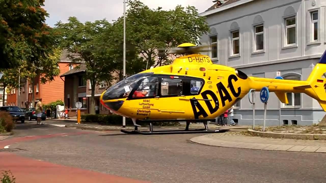 adac helicopter landt op de nieuwstraat in kerkrade youtube. Black Bedroom Furniture Sets. Home Design Ideas