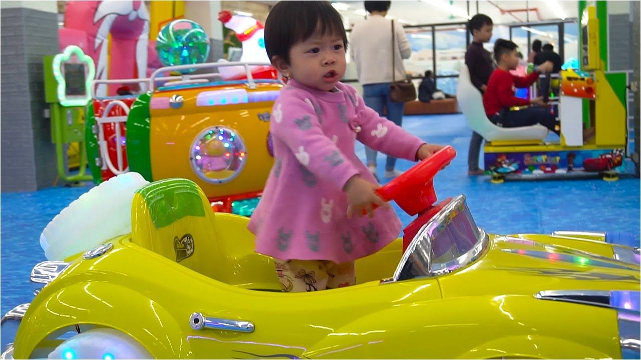Bé Đi Chơi Nhà Bóng Nhà Tuyết Vui Nhộn - Indoor Playground For Kids - Beu Beu TV