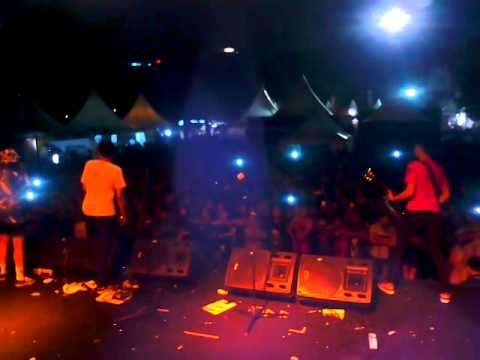LAST KISS FROM AVELIN - SESAK DALAM GELAP FEAT. TIARA STARLIT AT JAKCLOTH 2014