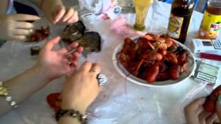 Каприз  Лесин, Жених, дамы едят раков
