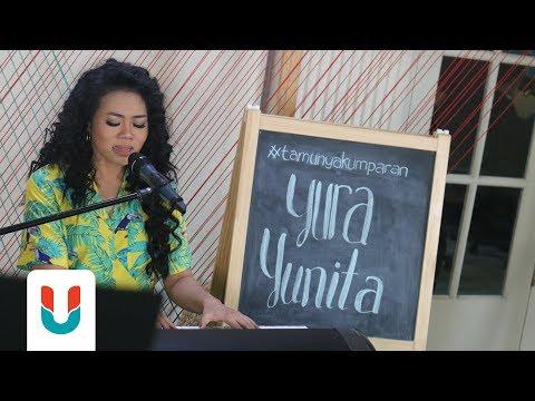 Yura Yunita - Harus Bahagia   Live at kumparan