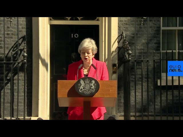 Theresa May breaks down in tears announcing her 7 June resignation