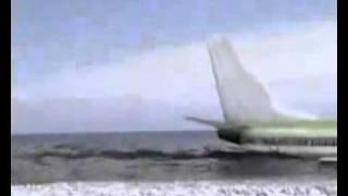 Pânico avião caindo no mar