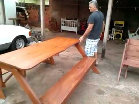 Banco que se hace mesa youtube for Silla que se convierte en mesa