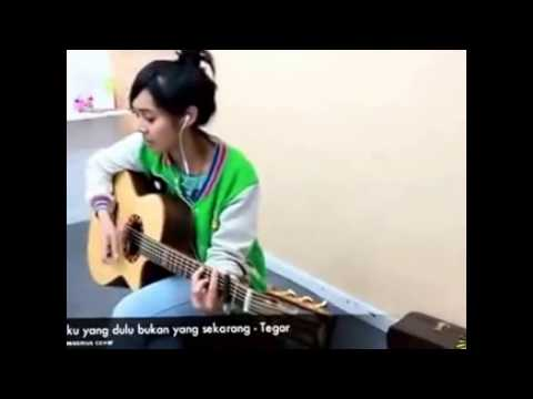 Keesamus   Cewek Cantik Thailand Nyanyi Lagu Tegar   Suaranya Oks Banget   YouTube