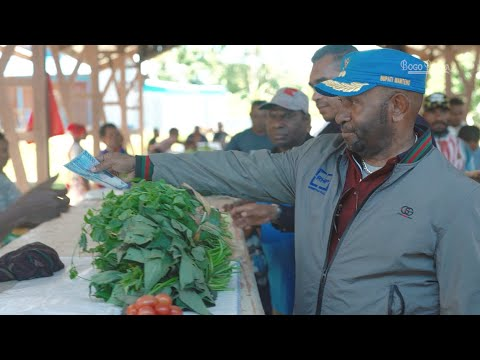 Sidak Pasar Kobakma, Bupati RHP Pastikan Bantuan untuk Pedagang Asli Papua