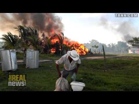 La policia de Honduras arrasa con un pueblo