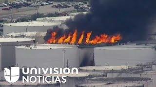 Imágenes aéreas del incendio en una planta petrolera de Houston