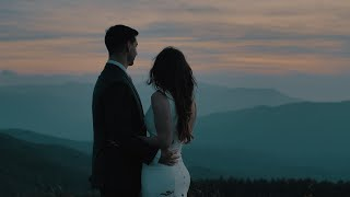 You will want to get eloped after seeing this! // Romantic Max Patch Blue Ridge Mountain Elopement