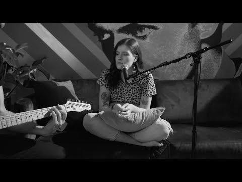 Смотреть клип Madeline Juno - Was Bleibt