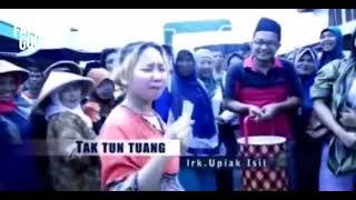 Download MP3 Tak Tun Tuang   Upiak Isil Original