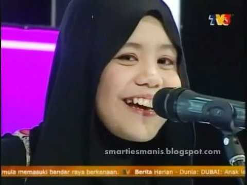 Najwa Latif   MHI 281011