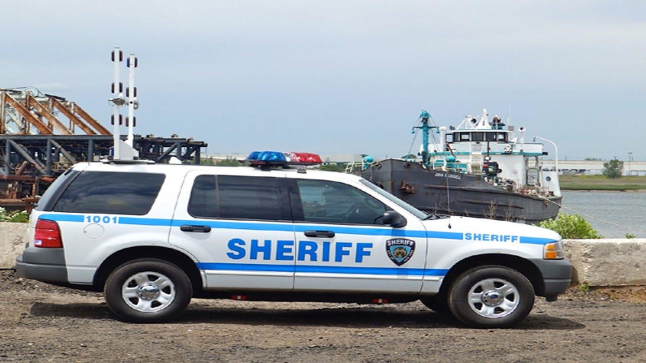 Полицейские автомобили в США - YouTube