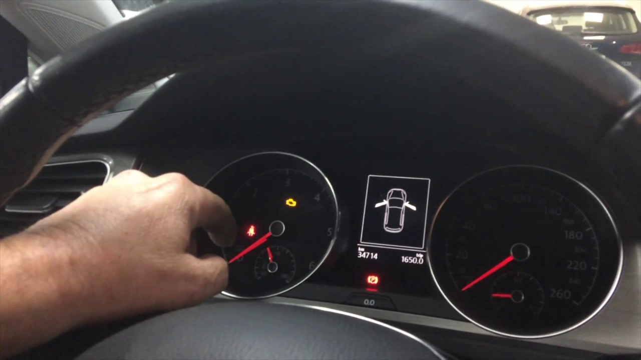 Resetear el piloto rojo que indica la presión de neumáticos en Audi, Volkswagen, Seat o Skoda ...