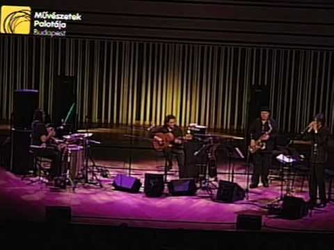 "Ferenc Snétberger , Tony Lakatos, Howard Levy, Paolo Vinaccia : ""Childhood"""