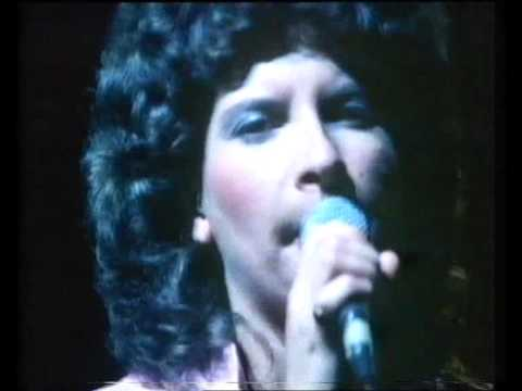 MARTHA AND THE MUFFINS - Echo Beach - Live on Rockstage 1980