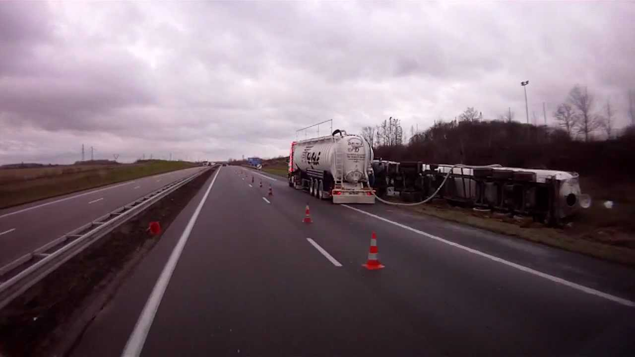 Accident Camion Pulvé Autoroute A4 Reims Youtube