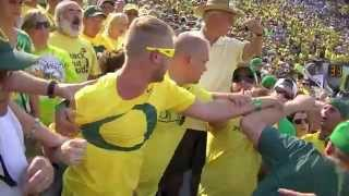 Repeat youtube video Drunk Fight during Oregon Ducks vs. Michigan State
