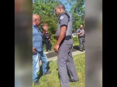 Pai se revolta e dá bronca ao ver filho baleado no chão: 'Não precisa roubar'; VÍDEO