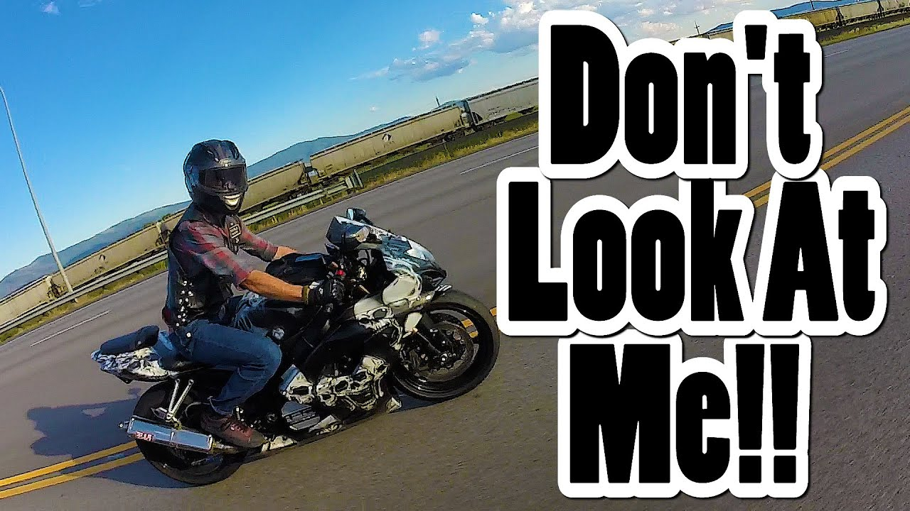 Motorcycle gloves gsxr - Gsxr 1000 Shows Me Who S Boss