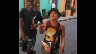 M E N - Rap đường phố cực chất của 2 người bạn trẻ Colombia !!