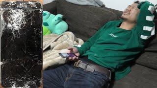 友達のiPhoneのアラームがうるさくて金属バットで破壊してみたドッキリ【ノーカット】 thumbnail