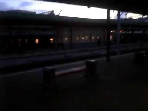 Стоянка на Курском вокзале в Москве, освещение на платформе Курского вокзала. - Смешные видео приколы