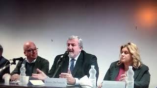 Michele Emiliano a Taranto attacca i media e i giornalisti