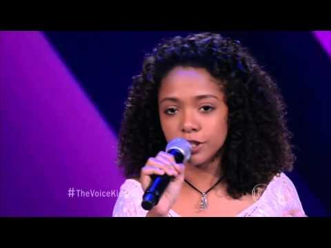 Manuela Andrade canta 'Se tudo fosse fácil' no The Voice Kids