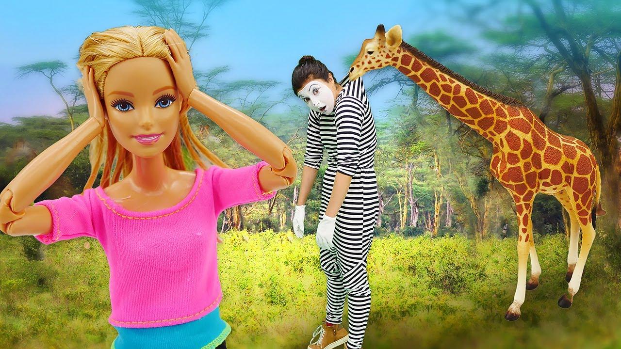 Oyuncak bebek oyunu izle! Barbie hayvanat bahçesinde macera yaşıyor!