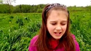 Отдых в поле ..природа.подписывайтесь на наш канал:-)(Отдых в поле,свежая трава,сильный ветер,одуванчики,крапива,цветочки,настроение супер,бесимся в поле,свежий..., 2015-05-24T15:25:33.000Z)