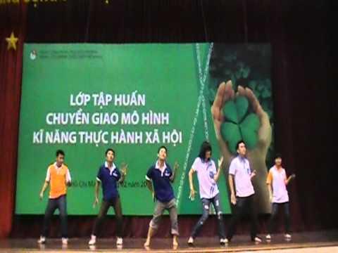 Dân vũ Té nước - Trung tâm HT&PT Thanh niên Hà Nội - Hanoiadc.org.vn