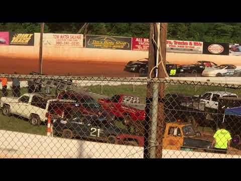 05/12/2018 East Lincoln Speedway Stock 4 Heat 2. #99Hilton 5th