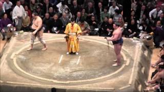 勢 vs 栃ノ心の取組。2015初場所7日目。現地オリジナル撮影。 Grand Sum...