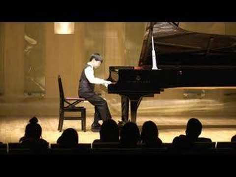 Tommy (7 yr) plays Mozart Sonata K 333