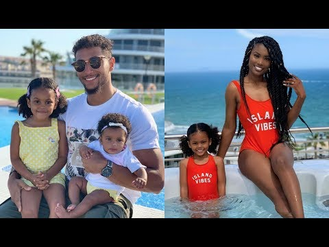 VLOG – OUR FIRST FAMILY HOLIDAY!! (part 1)