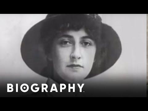 Agatha Christie - A Life of Mystery