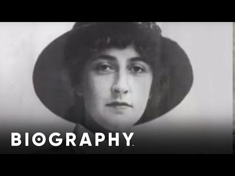 Agatha Christie - Author & Playwright   Biography