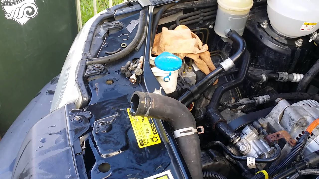 2011 Land Rover Freelander Removing Coolant Level Sensor