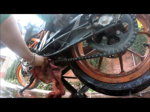 DIY | CHAIN CLEANING AND LUBE | KTM DUKE 390