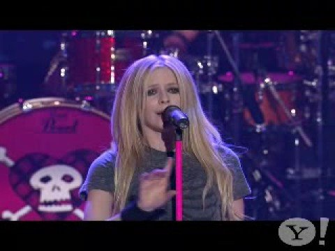 AVRIL LAVIGNE-EVERYTHING BACK BUT YOU(LIVE)