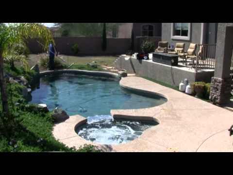 Cleaning a Pool in 90 Seconds