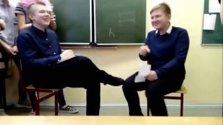 В школу приехали таджики  и посол переводчик!!!
