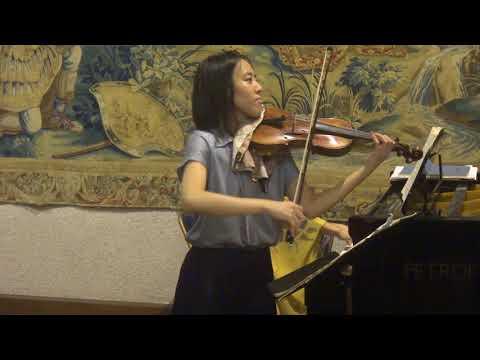 Concert au château de Goulaine Misa-Yang et Shiho Narushima minuetto de la Sonate K. 304 Mozart.