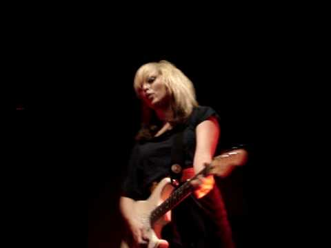 Ting tings Katie white Live at Bristol Academy