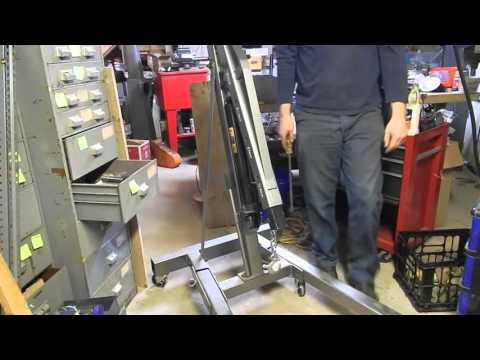 Harbor Freight Pittsburgh Tools Cherry picker Engine hoist portable crane
