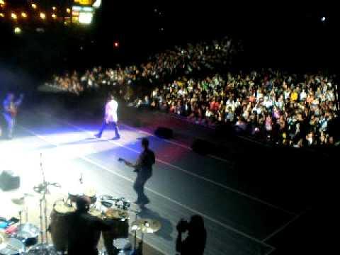 ANGELO VENUTO LIVE BEATSTOCK JONES BEACH 2009 SWEET CAROLINE & MONY MONY